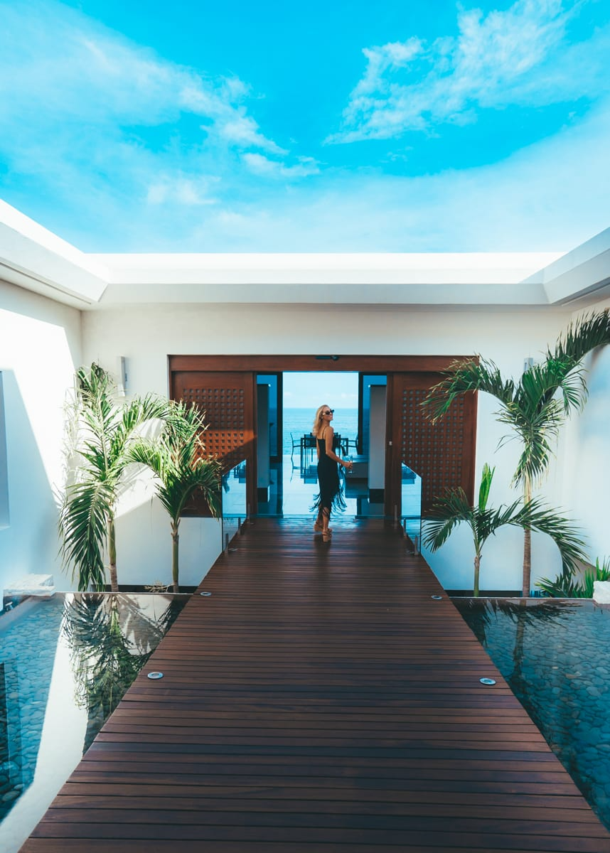 This All Inclusive 8 Bedroom Airbnb Mansion In Cabo Is What Dreams Are Made Of Jetsetchristina Em 2020 Casas