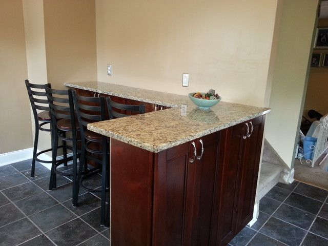 Eating Area With Cabinets Against Wall.....put A Nice Back Splash On Wall,  Cabinets Over The Bar...cabinets Underneath