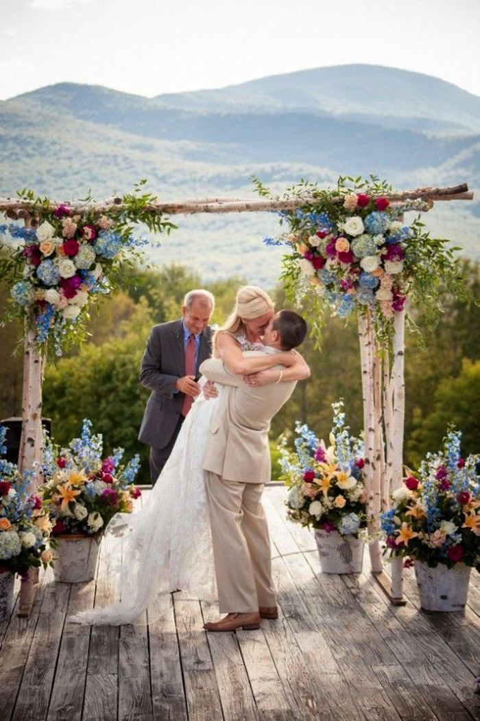 Photo Kathleen Landwehrle Photography Rustic Outdoor Wedding Ceremony Idea
