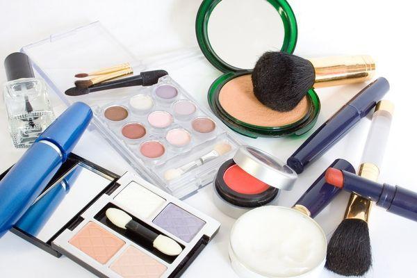 *!! Kosmetik – Parfüm – Kosmetik – Parfüm – Kosmetik – Parfüm !!* *!! Im Internet recherchiert  --  hier zentral dargestellt !!* http://www.kosmetik.global-megastore.com/
