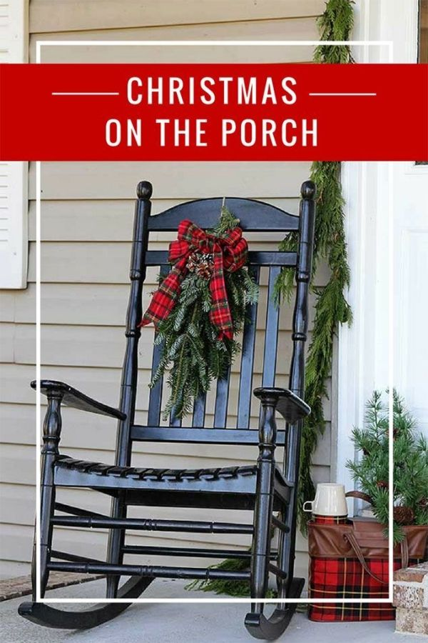 Jolly front porch Christmas decorations that combine traditional and
