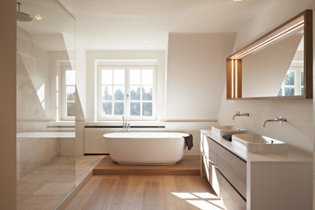 Luxe Badkamers Inspiratie : Badkamer inspiratie met luxe ligbad badkamer ideeën design