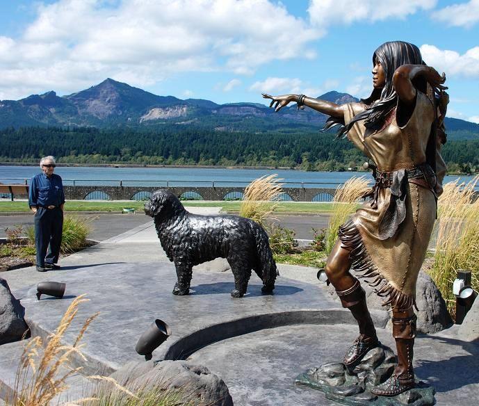 Sacagawea And Seaman Statues Oregon Travel Multnomah Falls Seaman