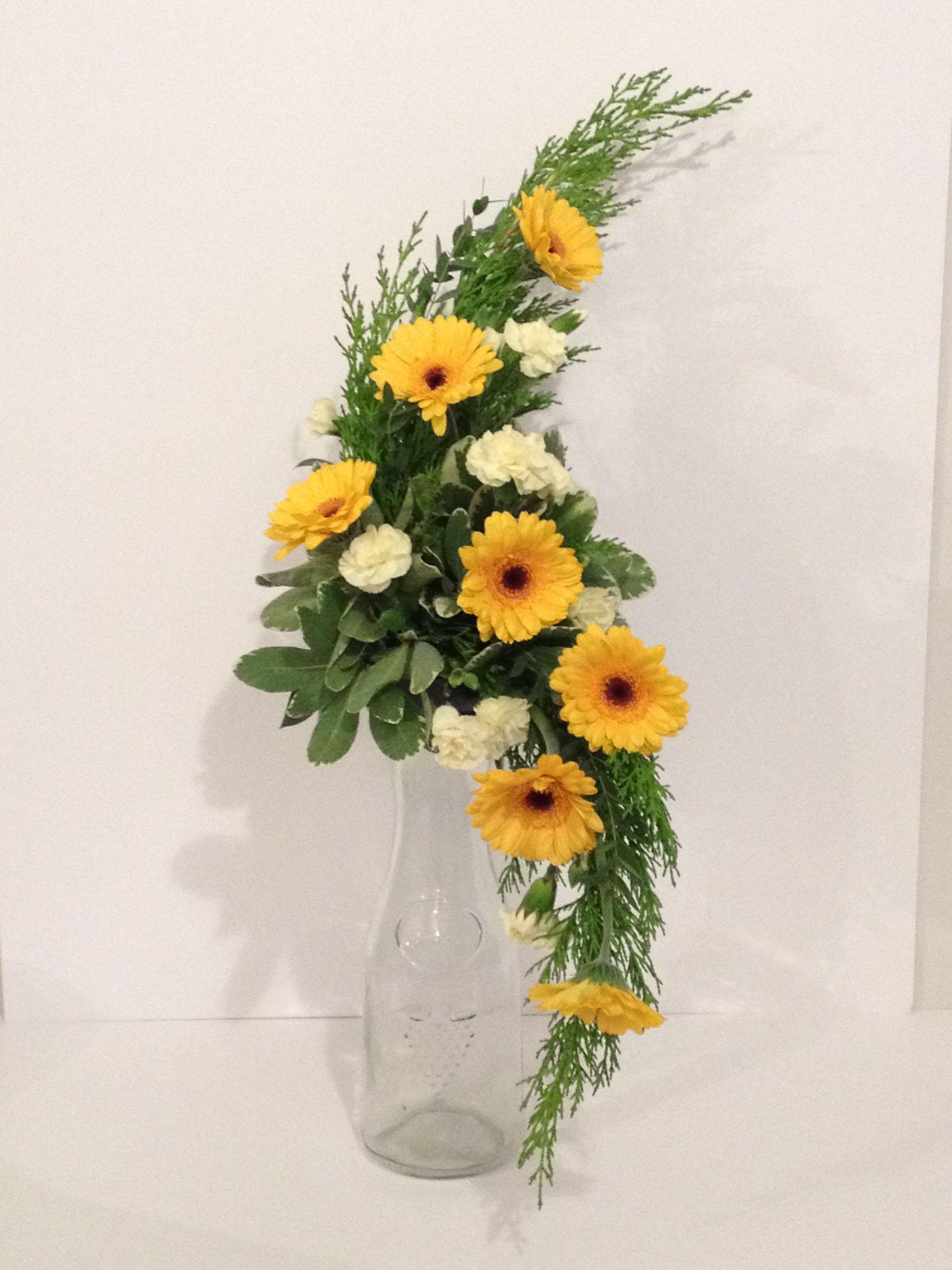 Hogarth Curve 3 | Creative flower arrangements, Large ...