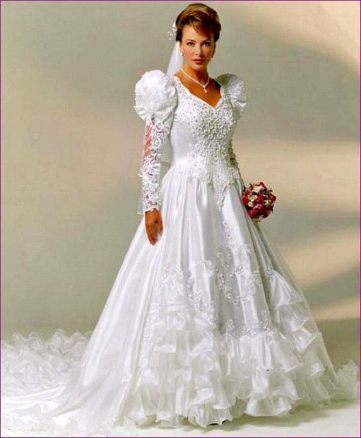 Pin von Heather Banks auf Beautiful Bridal Gowns | Pinterest ...