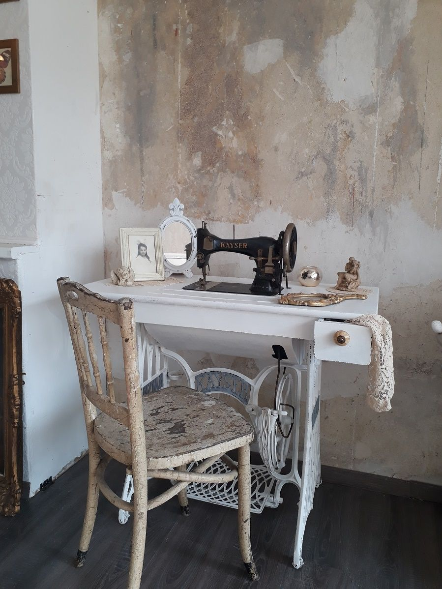 Auch aus einer alten Nähmaschine lässt sich was tolles machen ...