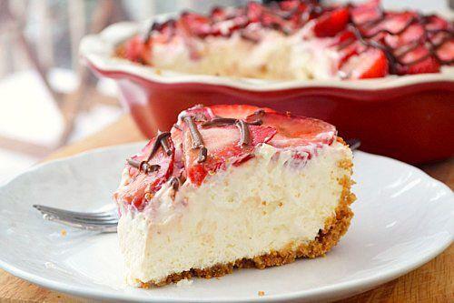 Strawberries and Cream Pie by justputzing #Pie #Strawberry #justputzing