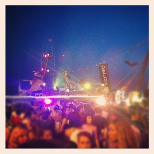 Super #molostreetparade! Musica sui pescherecci al porto di #rimini! Questa è estate! by @AleAesse