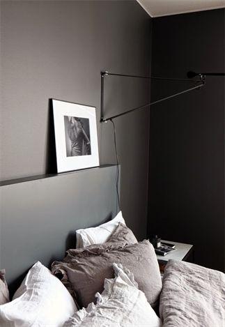 interieur donkere kleuren in de slaapkamer