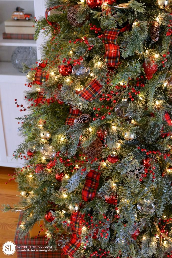 Plaid Christmas Tree Decorating Ideas #michaelsmakers - Traditional Red Tartan Plaid Christmas Tree Christmas Decor