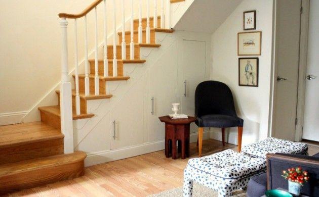 schrank unter treppe und andere l sungen wie sie f r mehr stauraum sorgen hausbau. Black Bedroom Furniture Sets. Home Design Ideas