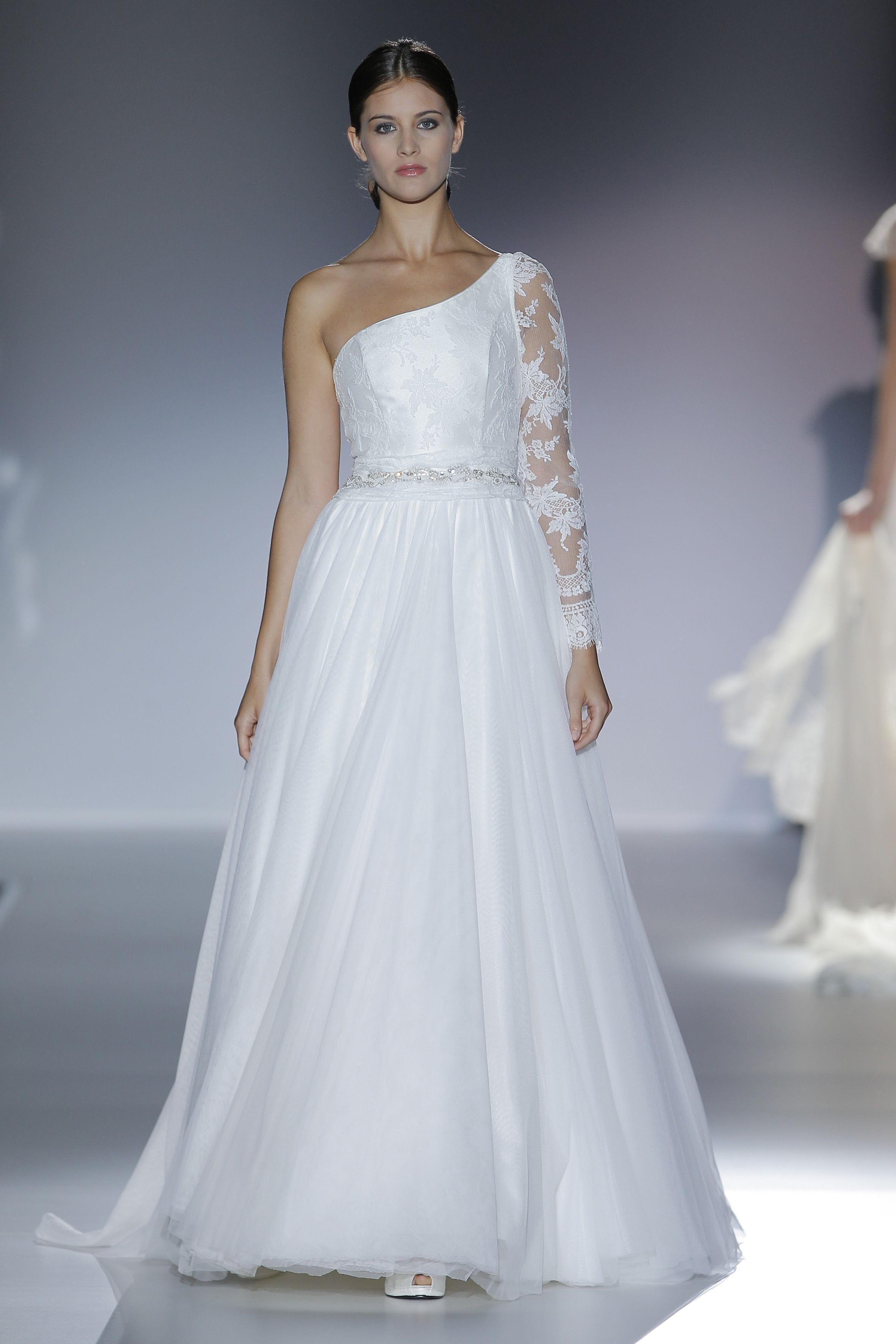 Desfile de Franc Sarabia en Barcelona Bridal Week 2013 | Moda ...
