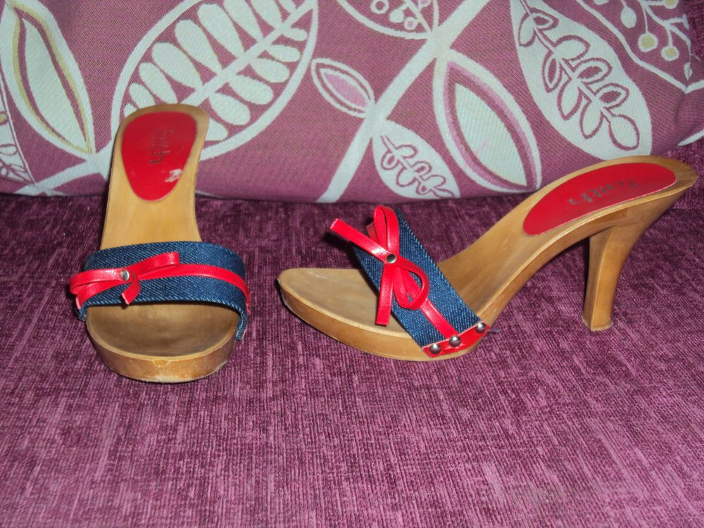 FAITH DENIM WITH RED BOW DETAIL OPEN TOE SHOES MULES CLOGS SZ 4