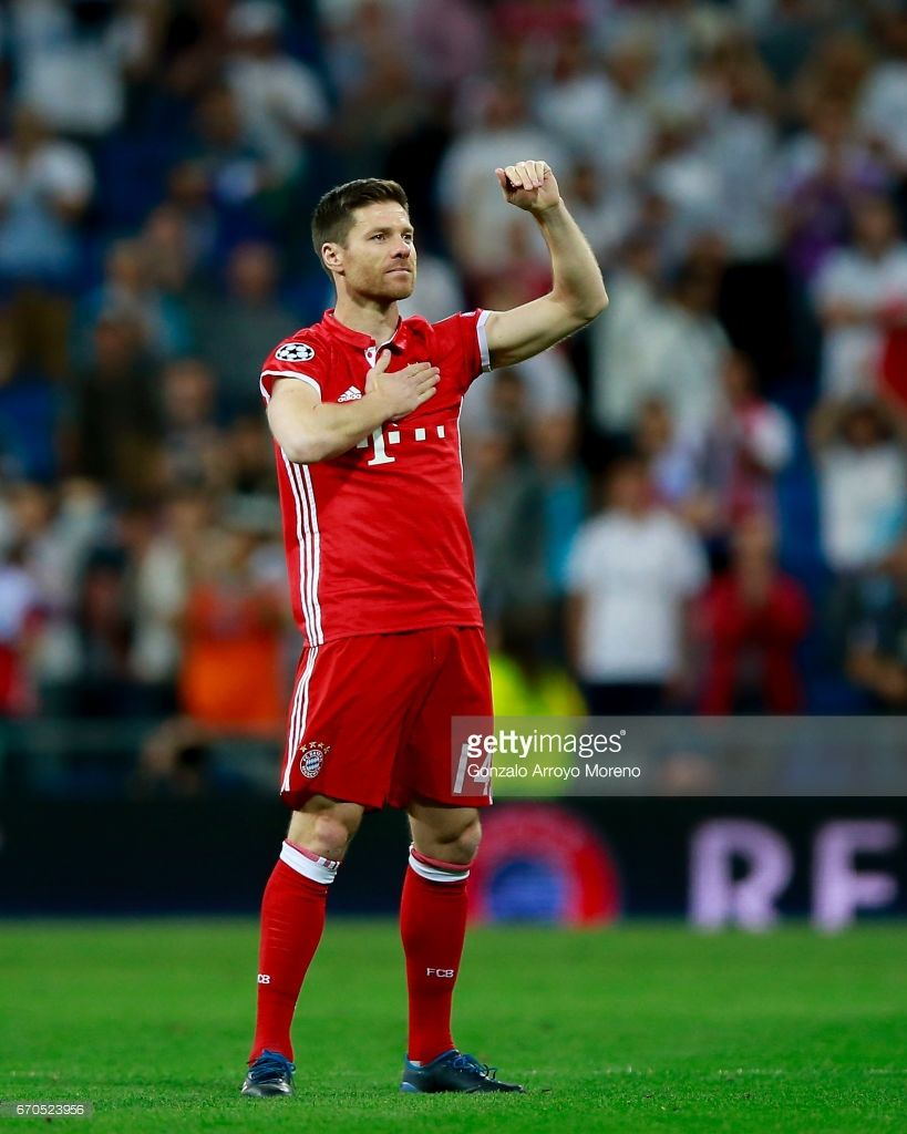 Xabi Alonso Of Bayern Muenchen Acknowledges Bernabeu S Audience As