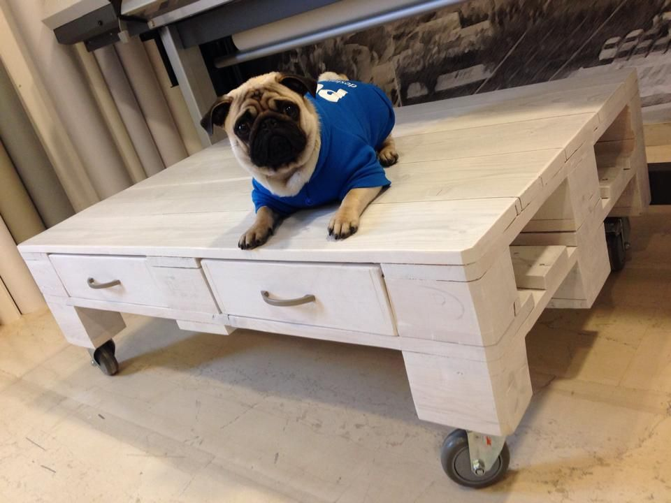DIY: Pallet coffee table #CoffeeTable, #Pallet