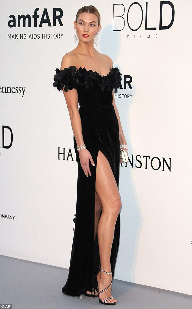 Lady in black  Karlie wowed on the red carpet in an off-the-shoulder  Marchesa gown with th. 3493d165b9b1