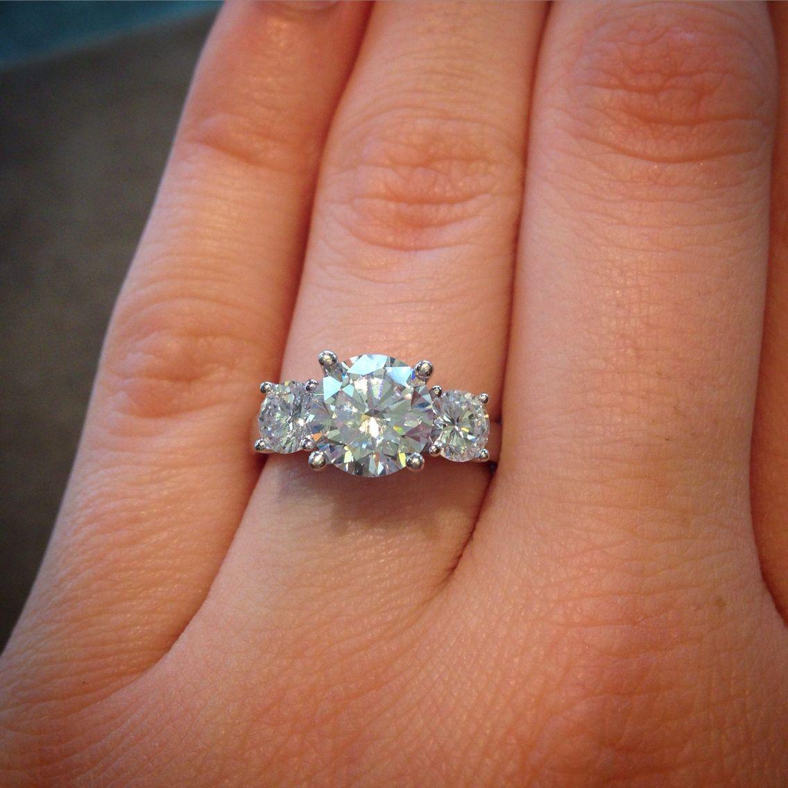 Stunning 3 stone engagement ring. 2 carat round center stone eb40404dec2c
