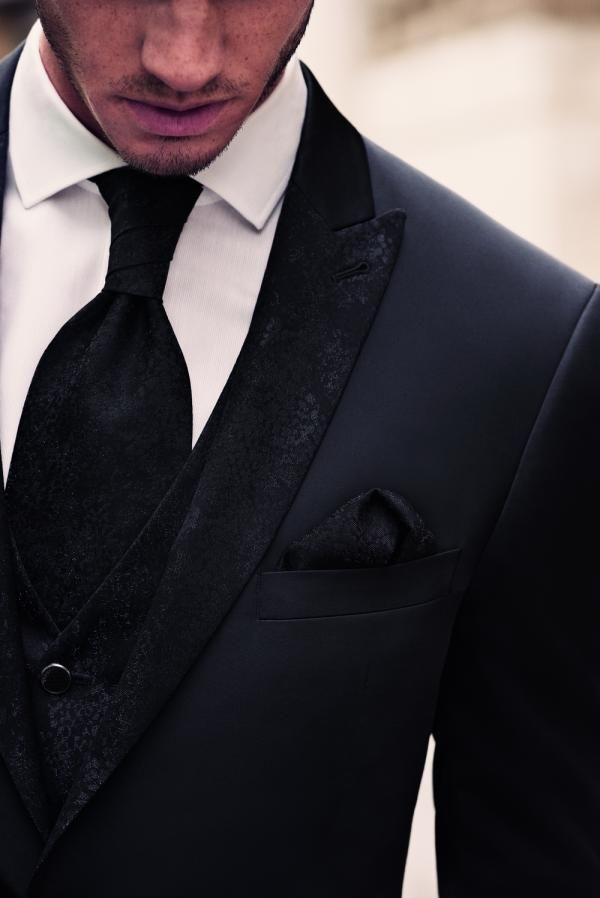code promo bonne vente de chaussures qualité et quantité assurées Costume noir et cravate noire pour votre mariage by M ...