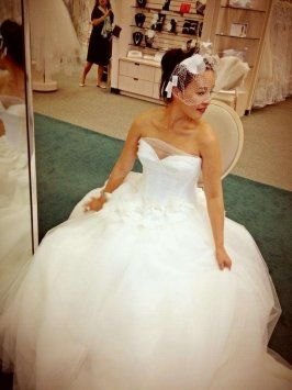 Vera Wang White Label Vera Wang White Wedding Dress $800