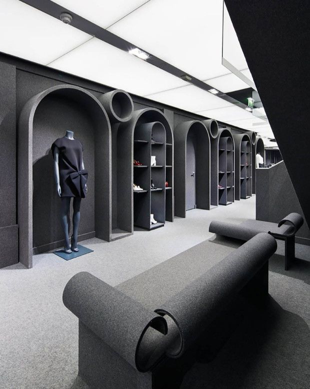 Viktor and rolf s first flagship store covered in grey for Raumgestaltung einzelhandel