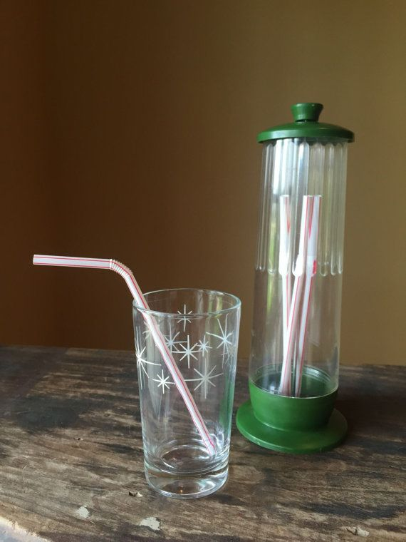 Beautiful Vintage Straw Holder 1960s Green Plastic Straw Dispenser Fun Retro Barware  Accessories Cool Diner Soda Shop Props Mid Century Kitchen