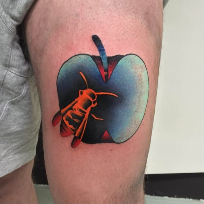 Wasp tattoo by Aleksy Marcinow AleksyMarcinow graphic apple wasp colorful