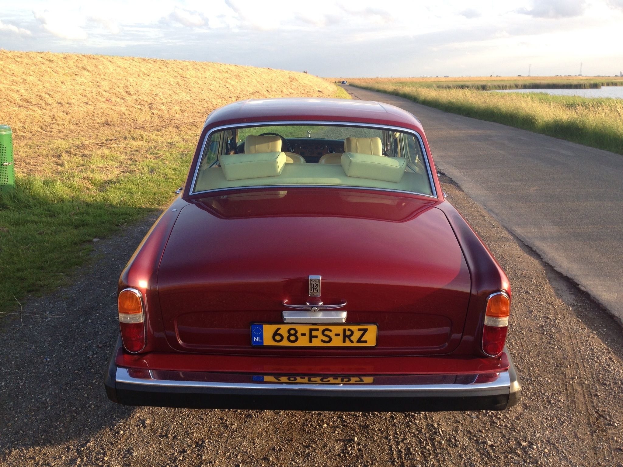 Since this week I am the proud owner of this Rolls Royce Silver Shadow