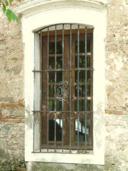 Ventana colonial herreria pinterest ventana rejas y - Verjas de madera ...