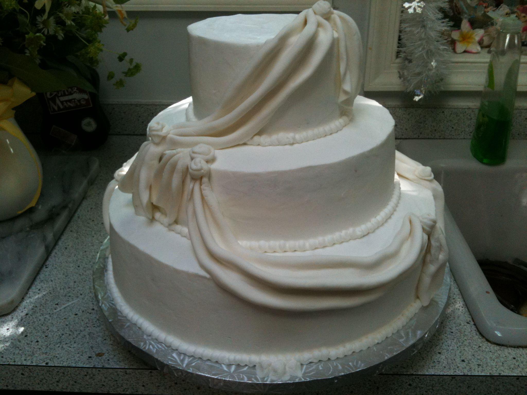 Cake Design Ulm : Fondant Swag Sash across simple 3 tier #wedding #cake. www ...