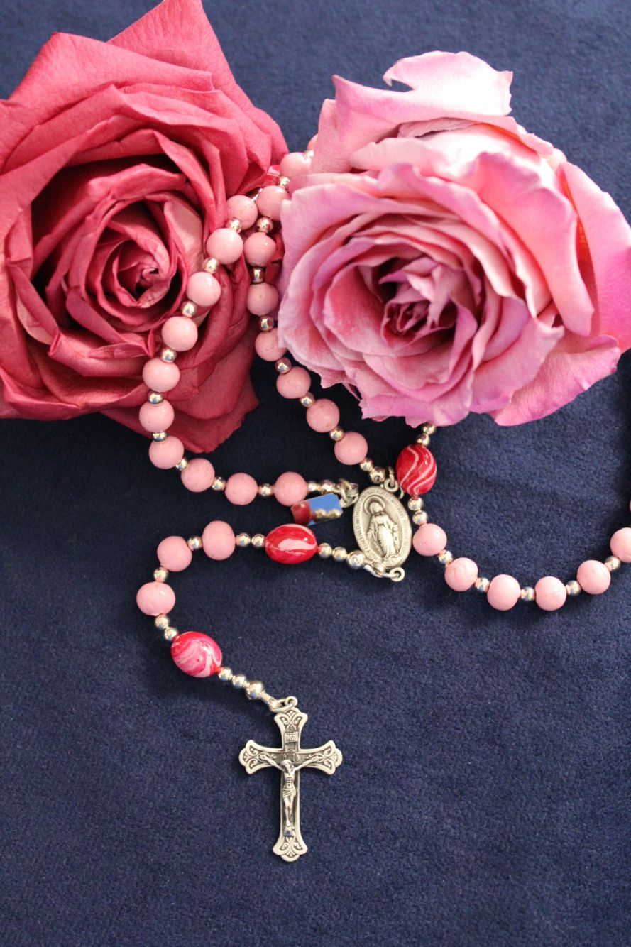 This rosary was made with beautiful wedding flowers that were freeze ...