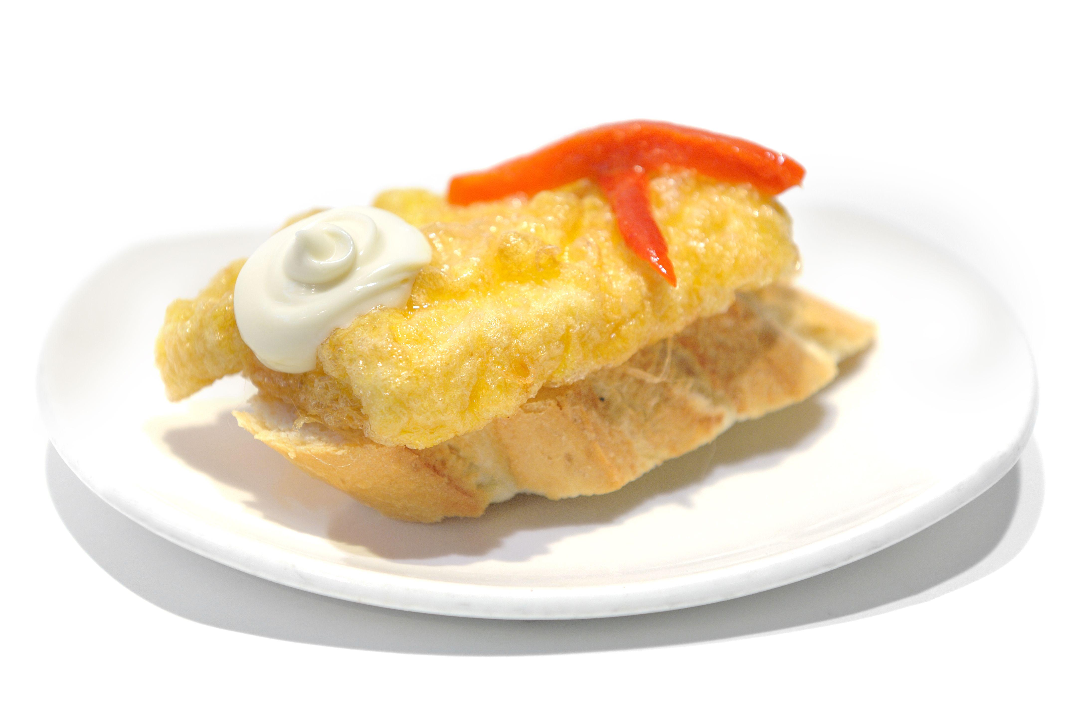 Pincho de #merluza y #mayonesa. #pincho #tapa