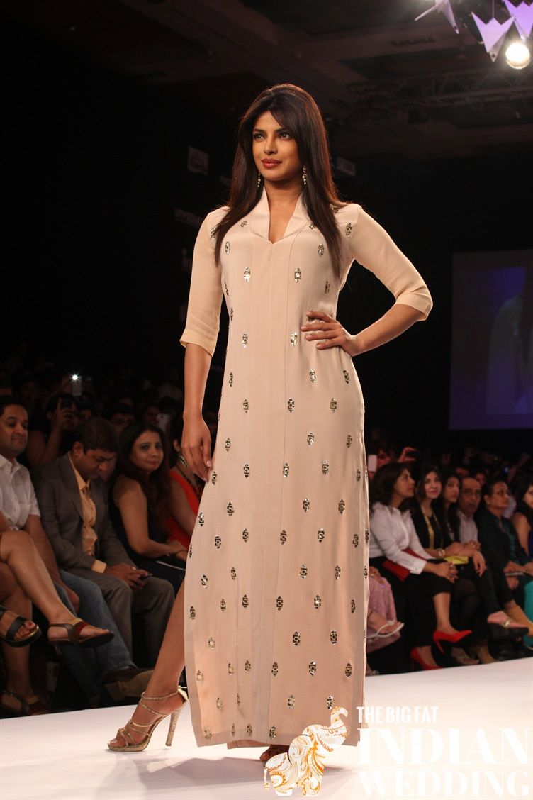 showstoppers strut the runway at lakme fashion week 2014