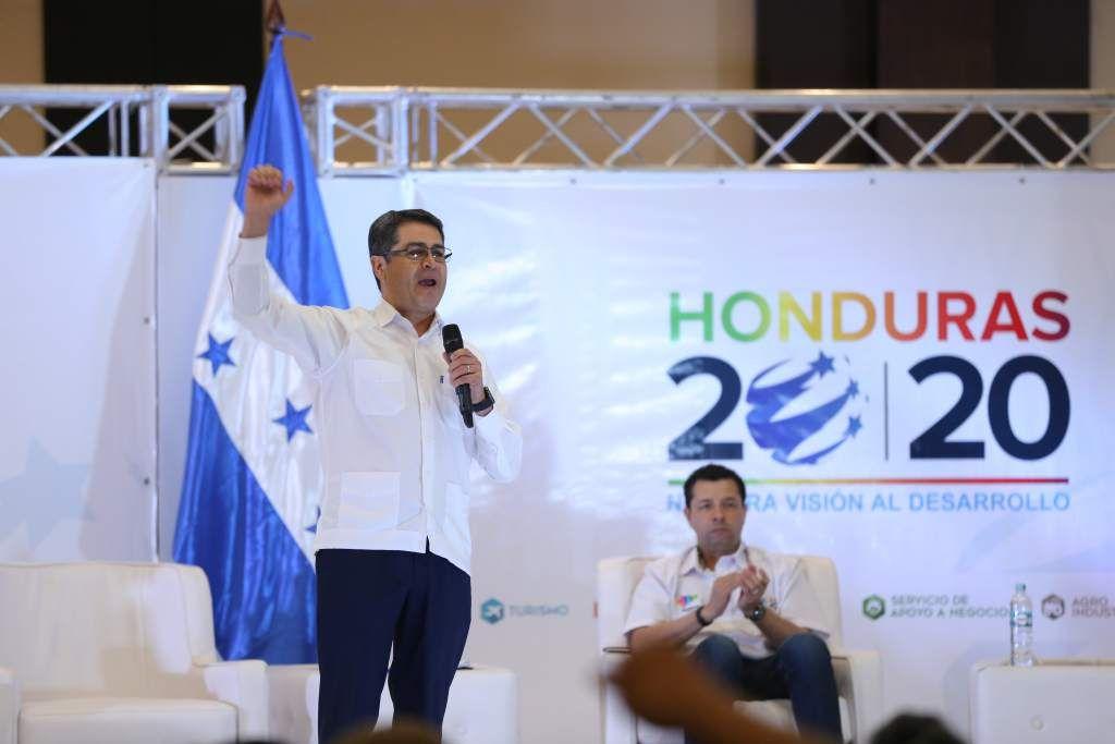 Honduras: Plan 20/20 generará 80 mil empleos en 2017  Autoridades aseguran que el programa tendrá un mayor despegue el próximo año. El Presidente durante su participación en el Open Day. Los ministros contestaron preguntas del público. FOtos: Yoseph Amaya