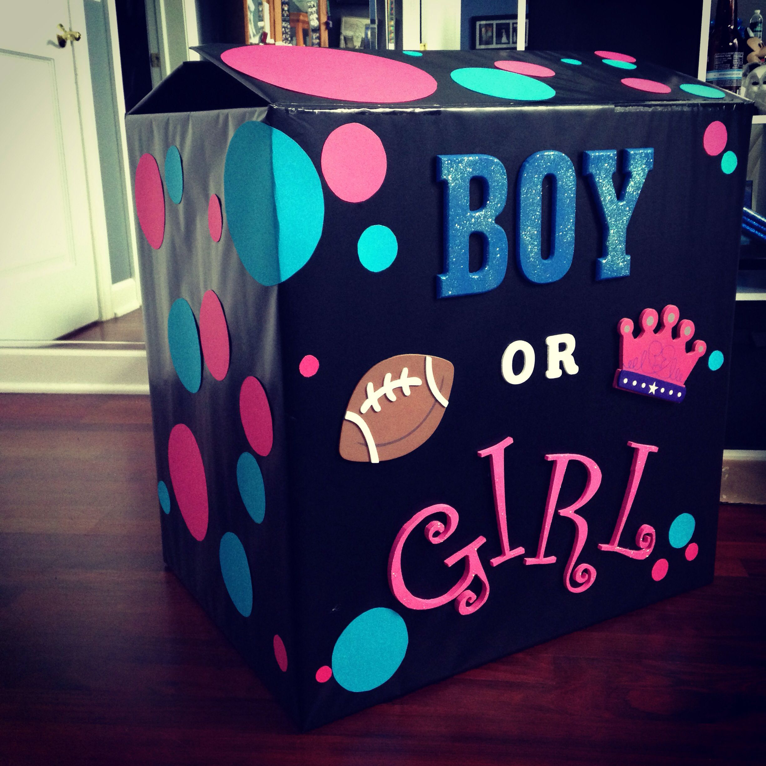 Baby reveal party fill the box with pink or blue balloons to ...