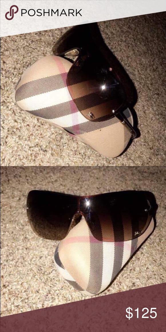 a7f54d37e4c Burberry Sunglasses like new Burberry Accessories Glasses