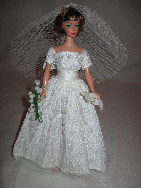 Beautiful vintage Barbie bridal ensemble.