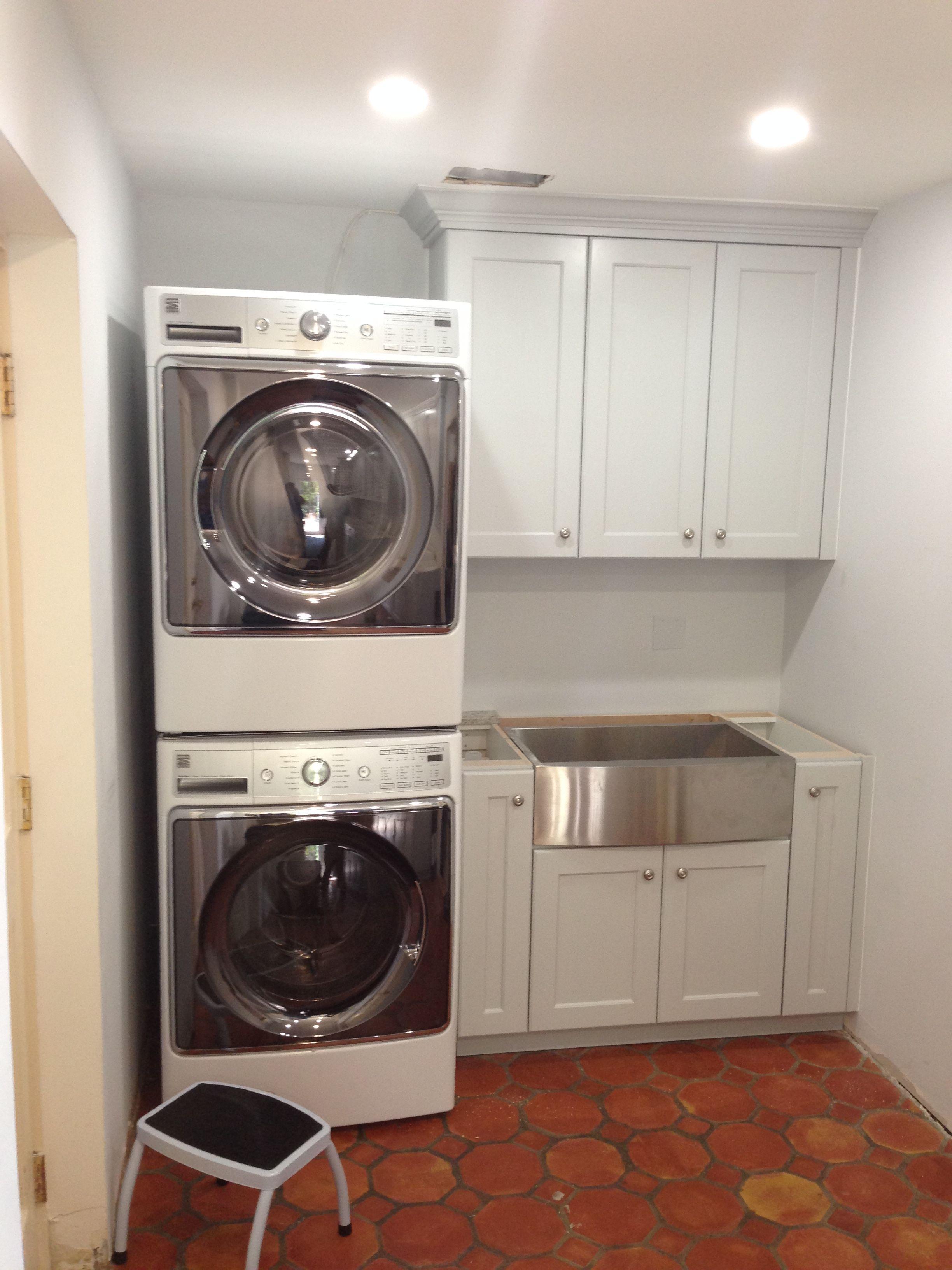 Pin By Amerikitchen On Amerikitchen Laundry Room Design Laundry Room Makeover Laundry Mud Room