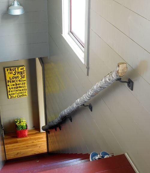 Tronc d\'arbre détourné en rampe d\'escalier | Escaliers décorés en ...