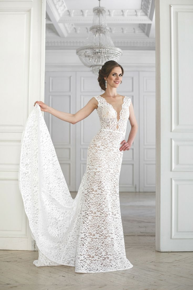 Top wedding gown gallery looking for the modern bridal wear styles
