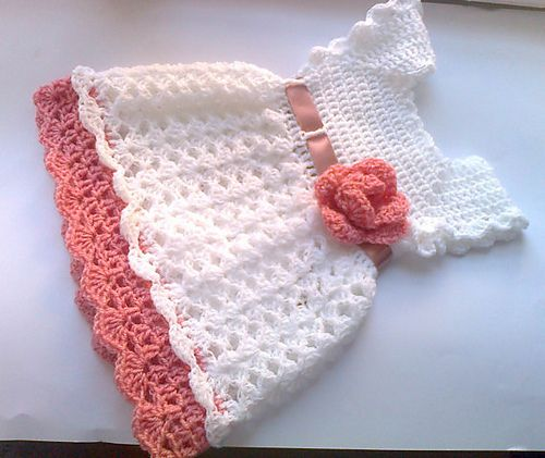 Pretty crochet baby dress pattern by Andree Tünde | Häkeln baby ...