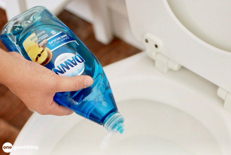 How to Unclog a Toilet (without a plunger!) Clogged