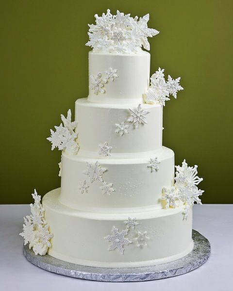 Snowflakes Winter Wedding Cake