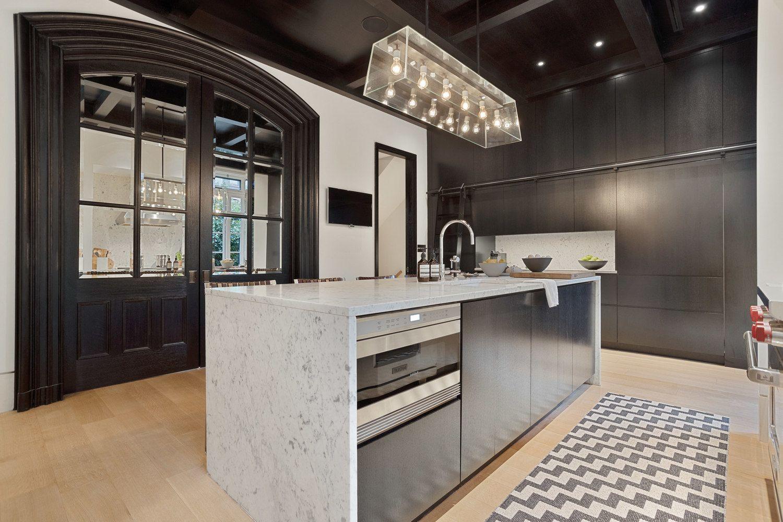 315 Adelphi Street Brooklyn Ny 11205 Photo 15 Of 36 In 2020 Adelphi Multi Family Homes Home And Family