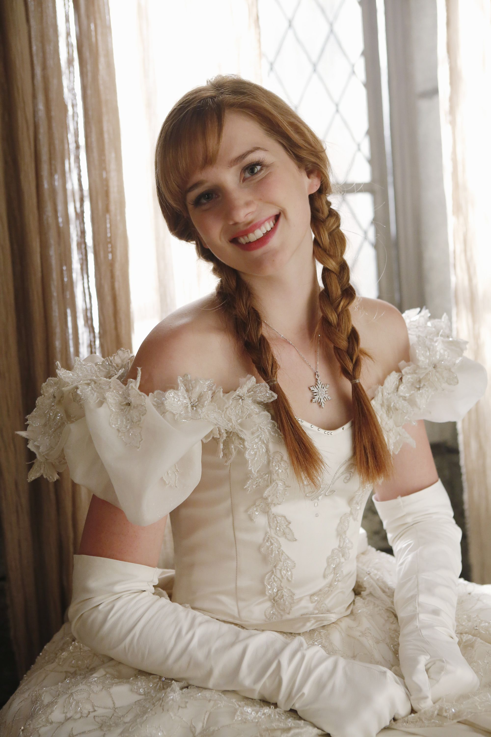 mothers wedding dresses Anna in her mother s wedding dress Once Upon A Time Photo Fanpop