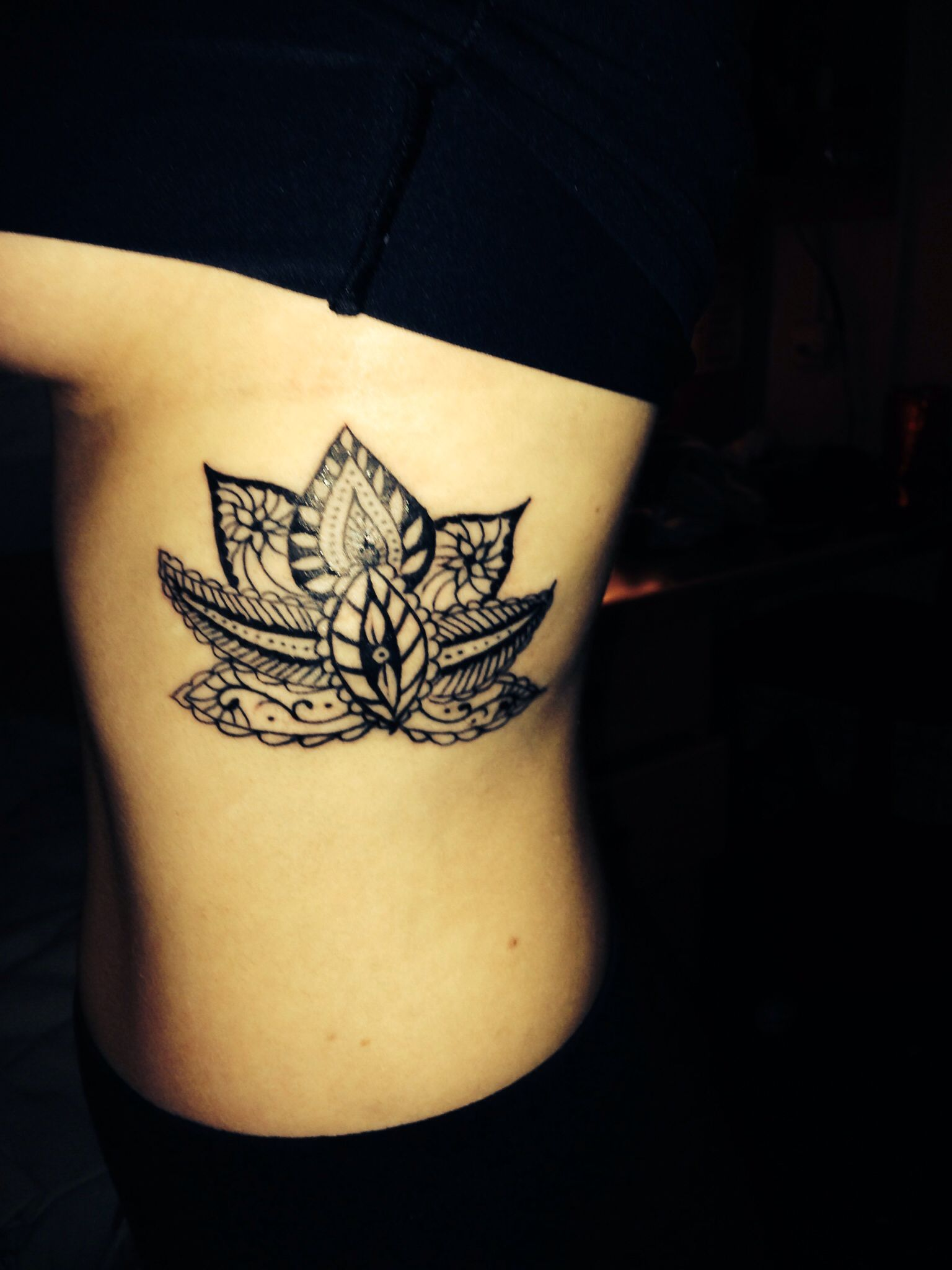 Lotus Flower Rib Cage Tattoo Flower Tattoo Flower Tattoo On Ribs Lotus Flower Tattoo Design