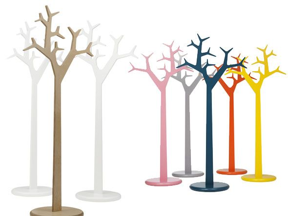 swedese tree porte manteaux design michael young et katrin olina le design prend racines en. Black Bedroom Furniture Sets. Home Design Ideas