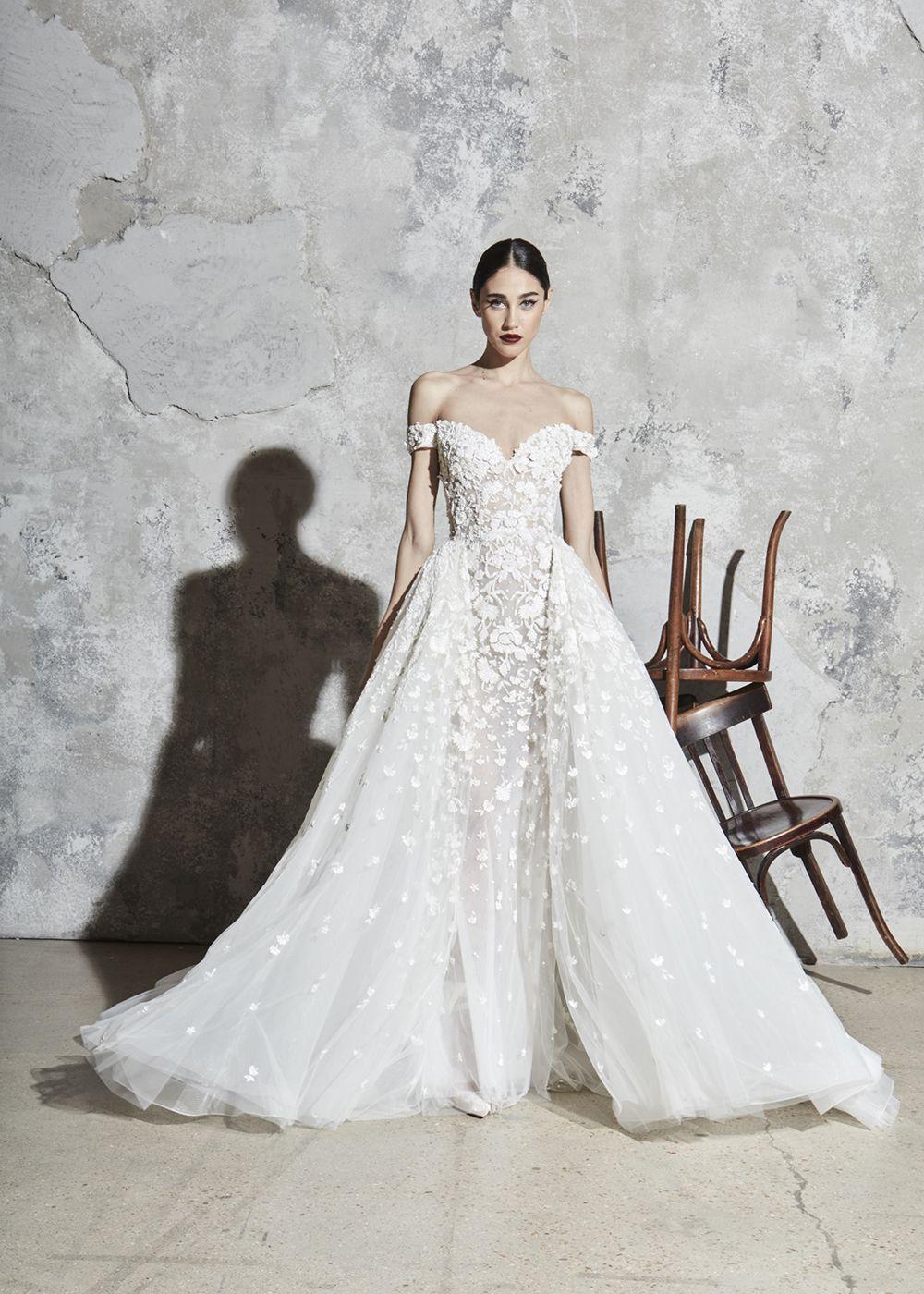 Pin By Esposa Group On Esposa Prive Bridal 2020 Zuhair Murad Bridal Black Lace Bridesmaid Dress Winter Wedding Outfits [ 1400 x 1000 Pixel ]
