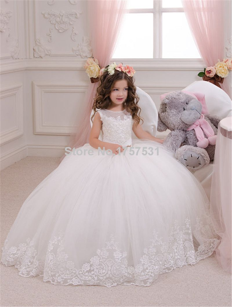 Puffy ball gown first communion dress for girls appliques