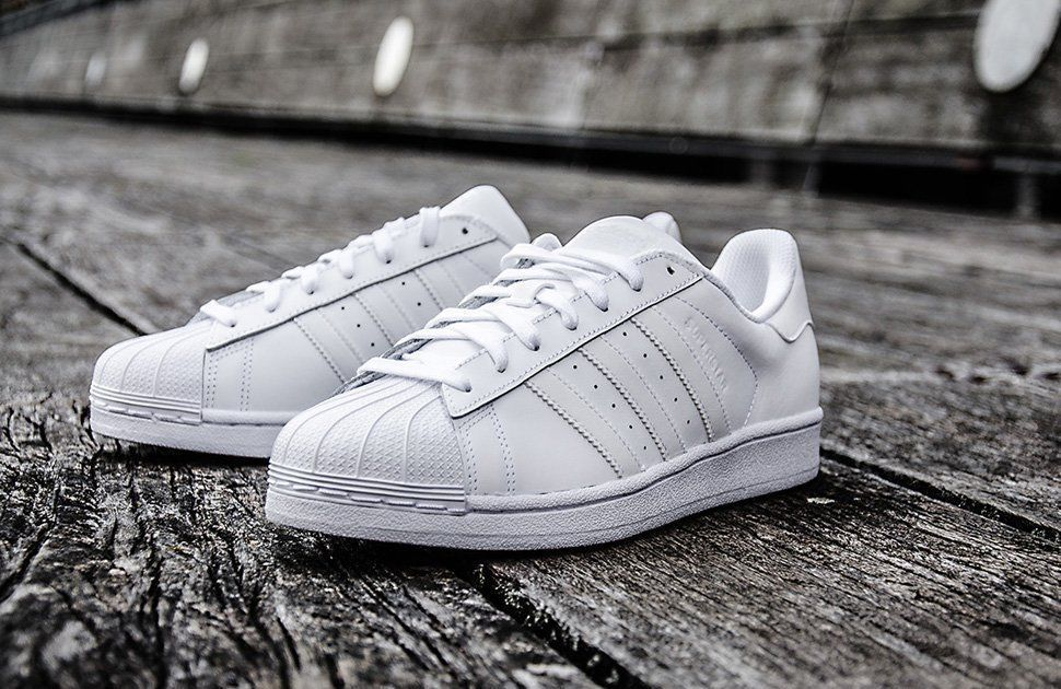 best loved 14cc1 41679 Adidas S85139  Originals Superstar W All-White Classic Fashion Sneaker For  Women