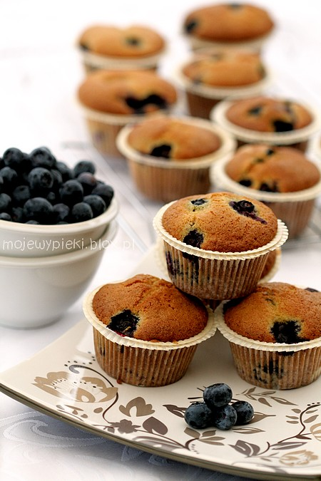 Muffinki Kukurydziane Z Borowka Amerykanska Moje Wypieki Food Desserts Baking